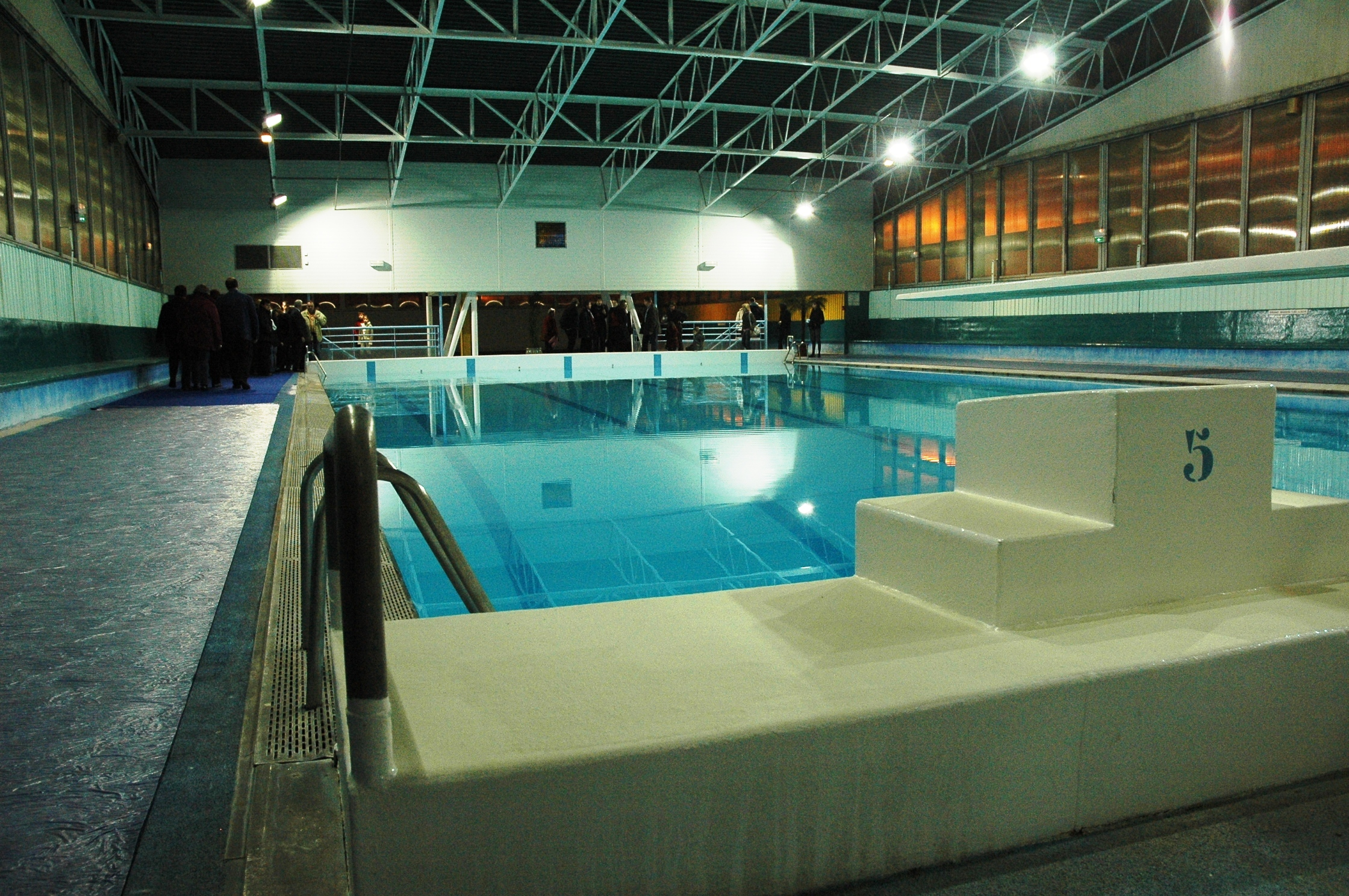 La piscine culture sports loisirs ville de saint andr for Piscine saintes