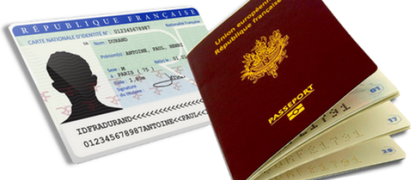 "visuel illustrant la page ""carte nationale d'identité / passeport"""